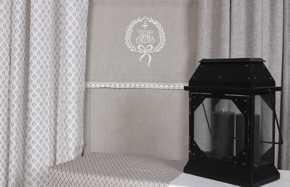 raffgardine raffrollo rollo sand beige creme shabby chic spitze monogramm baumwolle. Black Bedroom Furniture Sets. Home Design Ideas